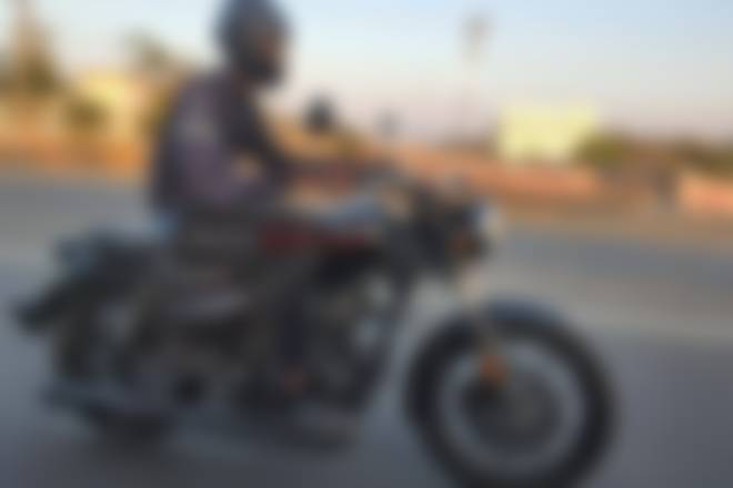 Royal Enfield Meteor spotted testing again... Best Pics Revealed!